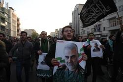 """تشييع جثماني الشهيدين """"سليماني"""" و"""" المهندس"""" في طهران"""