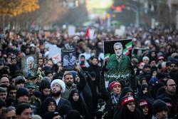 سیل خروشان مردم تهران در مراسم تشییع شهید سپهبد سلیمانی -۴
