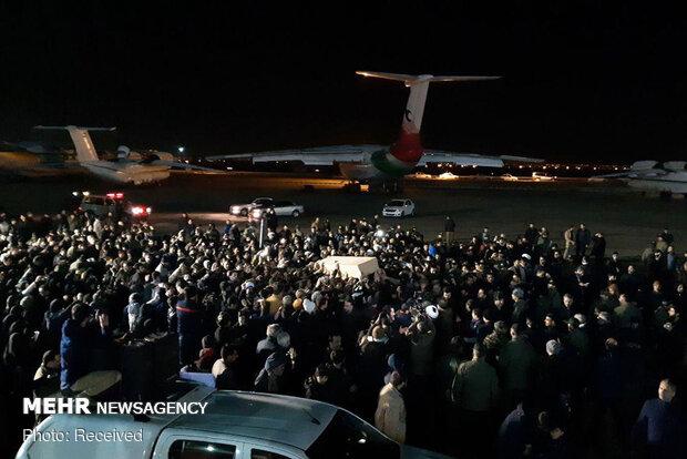 ورود پیکر شهید سپهبد قاسم سلیمانی به فرودگاه مهرآباد