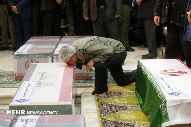 Leader performs ritual prayers for Lt. Gen. Qasem Soleimani