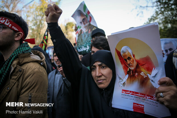 Packed crowds attend funeral procession of Lt. Gen. Soleimani in Tehran