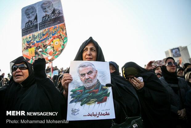 سیل خروشان مردم تهران در مراسم تشییع شهید سپهبد سلیمانی