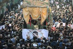 تشییع پیکر شهید هادی طارمی در یافت آباد