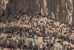 مردم محل گلزار شهدای کرمان را با آرامش ترک کنند