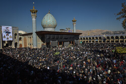 شیراز میں شہید قاسم سلیمانی کی یاد میں عظيم الشان عوامی اجتماع