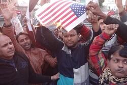 ہندوستان اور پاکستان میں مظاہرین نے امریکی پرچم کو آگ لگا دی