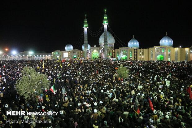 سیل خروشان مردم قم در مراسم تشییع شهید سپهبد سلیمانی