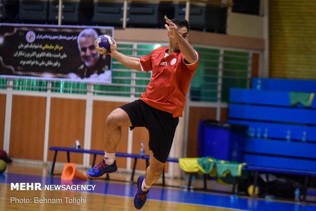 تیم هندبال قم به مصاف رعد پدافند تهران میرود