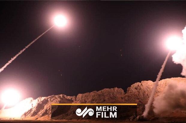 تصاویری از لحظه پرتاپ و اصابت موشکها به پایگاه نظامی آمریکا
