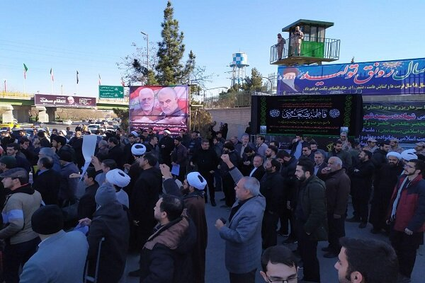 حمایت مردم مشهد از شروع انتقام سخت سپاه پاسداران