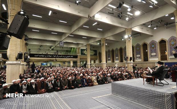 قائد الثورة الاسلامية يستقبل سكان مدينة قم المقدسة