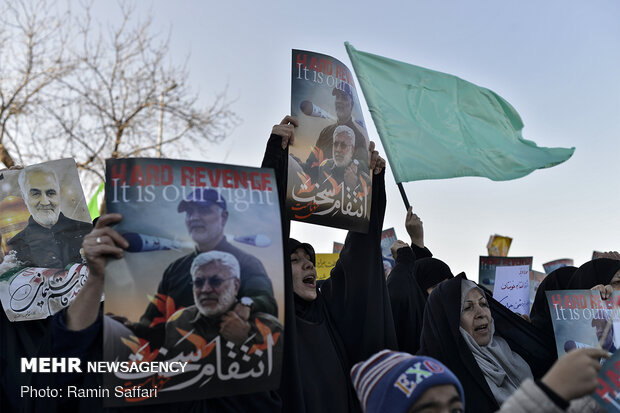 People in Mashhad announce support IRGC' airstrikes