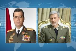 وزير الدفاع الفنزويلي: سنقف الى جانب ايران في مجابهة الاستكبار العالمي