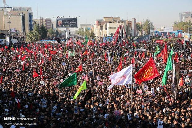 هنوز گفتمان انقلاب اسلامی اولویت مردم ایران است