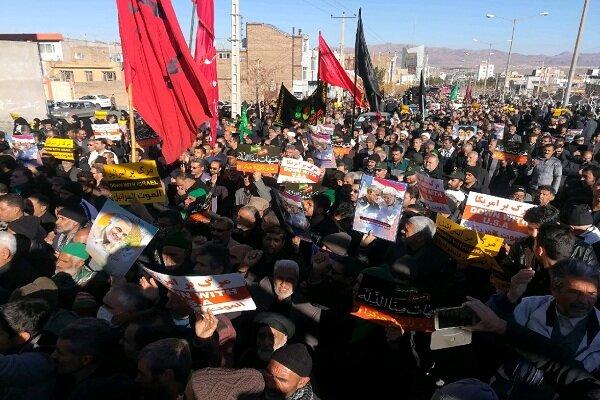 راهپیمایی مردم بیرجند در حمایت از اقدام موشکی سپاه
