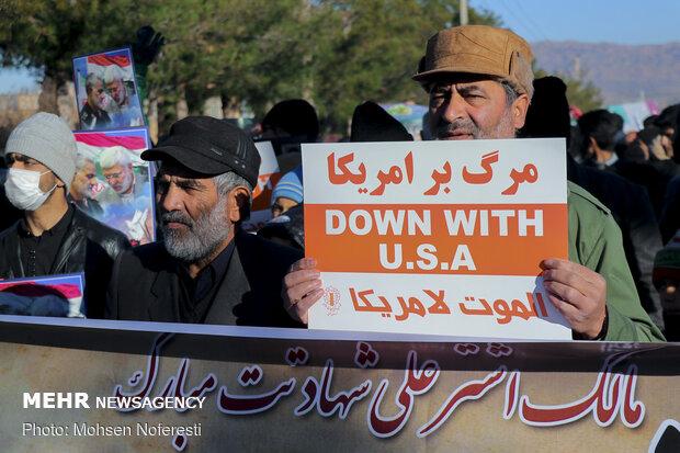 راهپیمایی مردمی و هیئتهای مذهبی در بیرجند