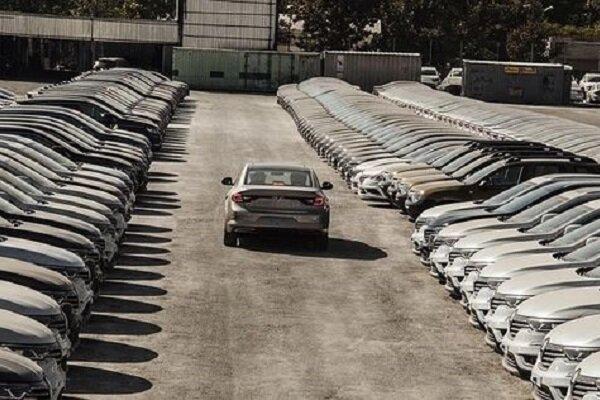 ۵۰۰۰ خودرو در بنادر تعیین تکلیف میشود/ رفع مشکل واحدهای تولیدی