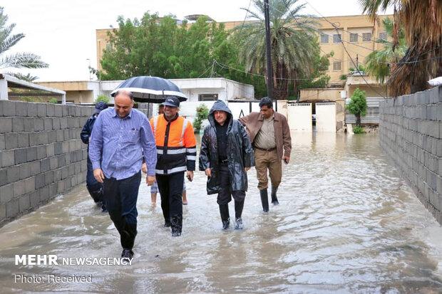 بازدید فریدون همتی استاندار هرمزگان از مناطق مختلف شهر بندرعباس