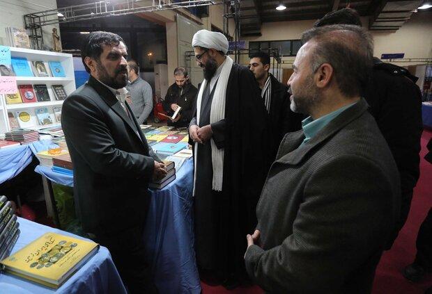 تجلیل از ناشران برتر در نمایشگاه سراسری کتاب همدان