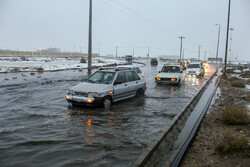 بارش برف و باران در محورهای شمالی/ ترافیک در محورهای منتهی به پایتخت