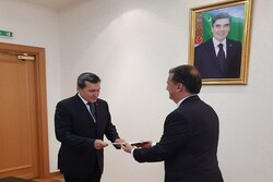 New Iranian ambassador submits credentials to Turkmenistan's FM