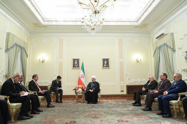 شاہ محمود قریشی کی ایرانی صدر روحانی سے ملاقات