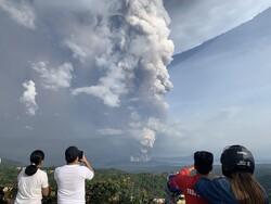 ثوران بركان في الفلبين/صور