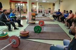 نشست علی مرادی با اردونشینان تیم ملی وزنهبرداری