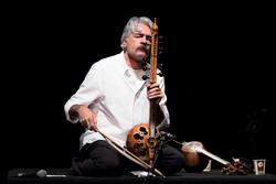 Kamancheh virtuoso Kayhan Kalhor performs in an undated photo. (ISNA/Mehdi Motamedi)