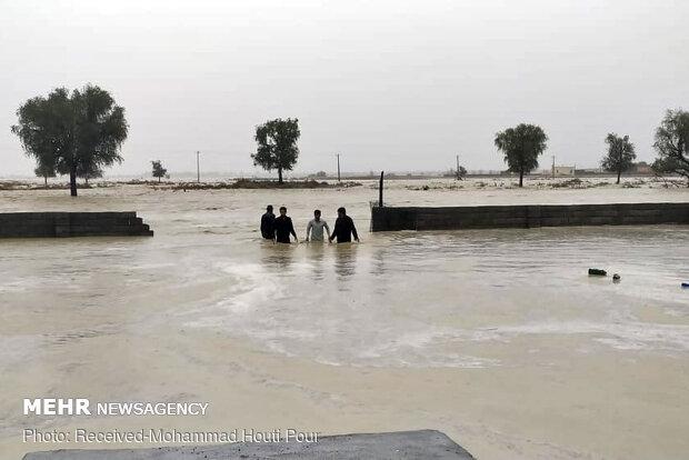 ورود آب به بخشی از روستای گنجک زرآباد