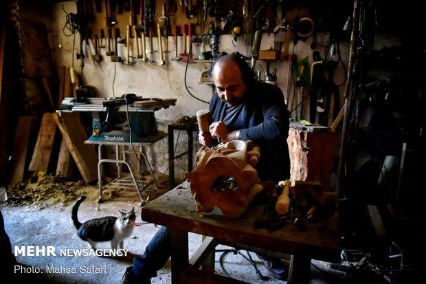 ağaçlara hayat veren İranlı ustanın eserleri
