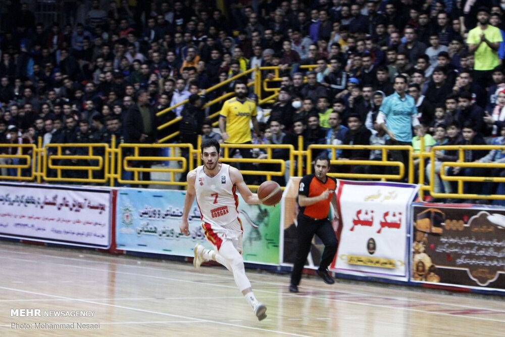دیدار تیم های بسکتبال شهرداری گرگان و ذوب آهن اصفهان