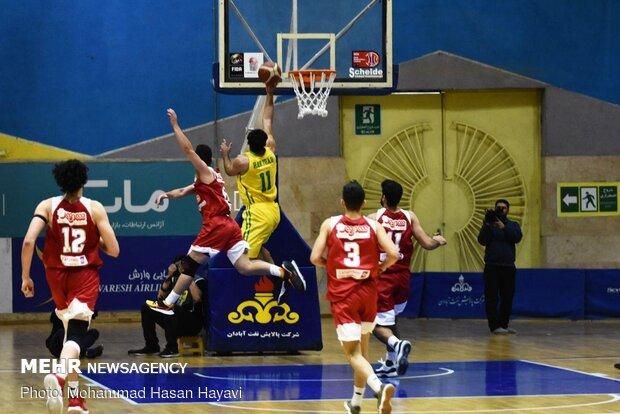 تیم بسکتبال شهرکرد میزبان تیم نیروی زمینی تهران است
