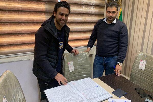 سرمربی تیم فوتبال استقلال قراردادش را ثبت کرد