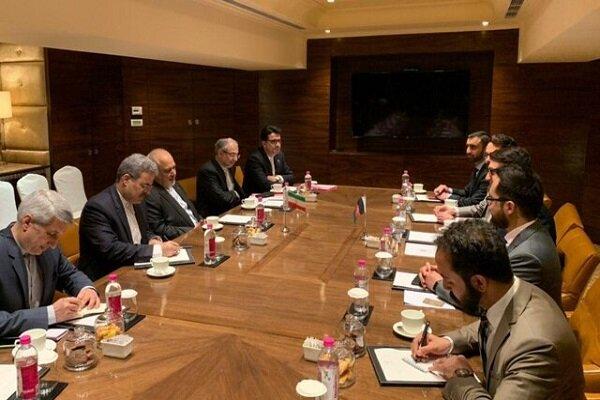 Zarif, Yeni Delhi'de Afganistan Ulusal Güvenlik Danışmanı ile görüştü