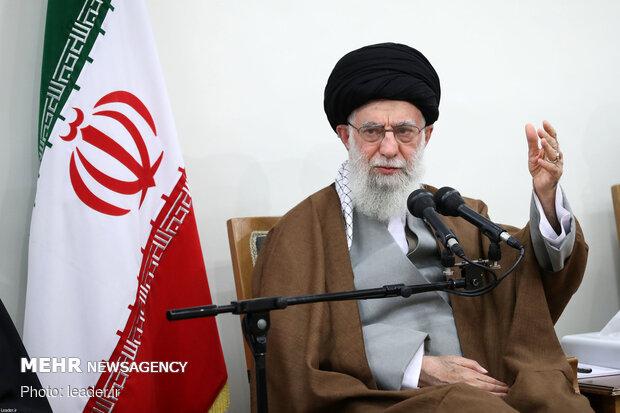 رہبر معظم انقلاب اسلامی سے عوام کے مختلف طبقات کے ہزاروں افراد کی ملاقات