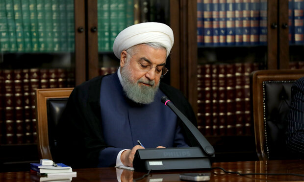 Rouhani felicitates Japan's PM, Emperor on National Day