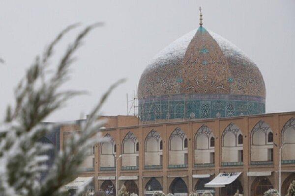 برف بخشی از گنبد شیخ لطف الله را سفید نکرد!