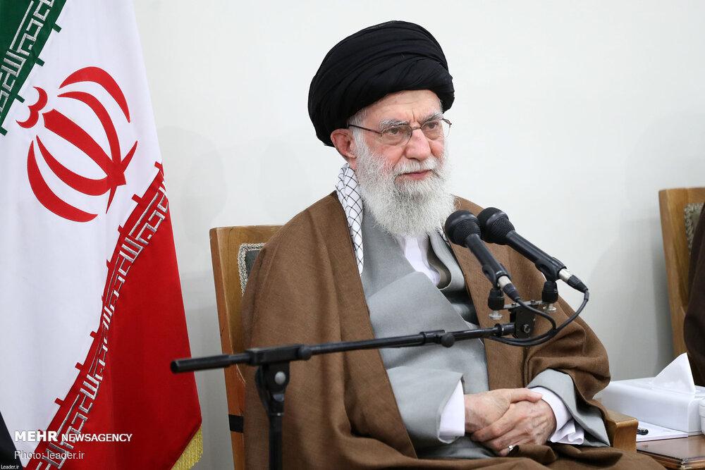 """رسالة قائد الثورة لمؤتمر """"العمداء و4000 شهيد لمنطقة 17 لطهران"""""""