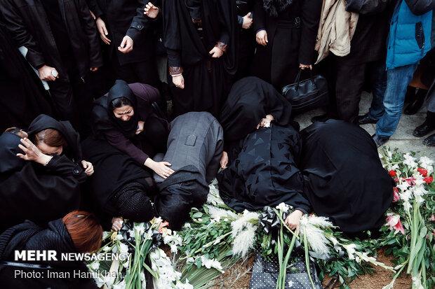 مراسم تدفین پیکر ۴ شهید سانحه هوایی در همدان