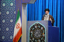E3 cannot bring Iranian nation to its knees: Leader