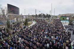 زبان «شعار و تکبیر» مردم در نماز جمعه/ «نسخهپیچی» برای نابودی آمریکا