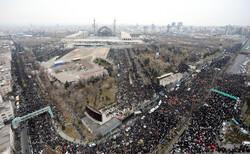 تہران میں نماز جمعہ کے تاریخی مناظر