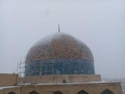 مرمت گنبد مسجد شیخ لطف الله تمام نشده است/کمبود اعتبار دلیل برچیدن داربستها