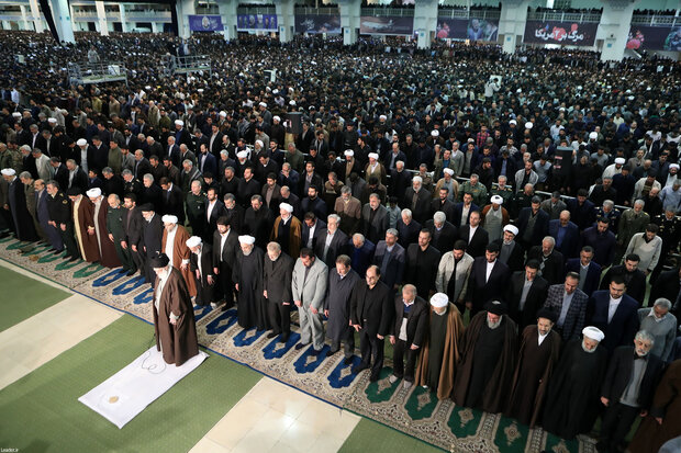 Ayatollah Khamenei leads Friday prayers