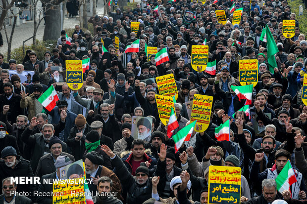 مشہد مقدس میں سپاہ پاسداران  کی حمایت میں عظیم الشان عوامی ریلی