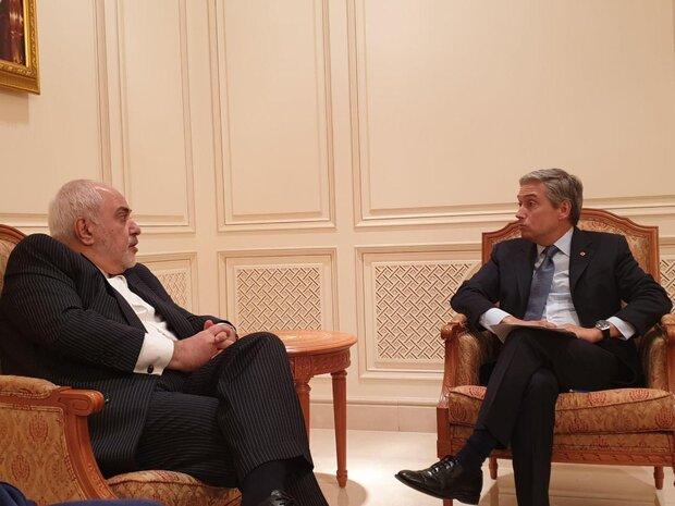 Zarif ile Kanadalı mevkidaşı Umman'da Ukrayna uçağını görüştü