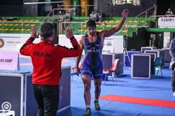 Mohammadian bulldozes all rivals, incl. Olympic champion, to win Matteo Pellicone