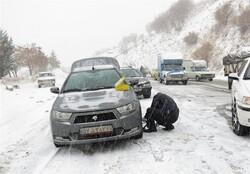 تردد در محورهای کوهستانی گلستان با زنجیر چرخ/ مسدودی جاده زیارت و شلمی