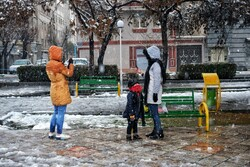 VIDEO: Snowfall in Shiraz